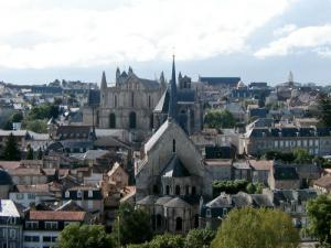 Poitiers_hill